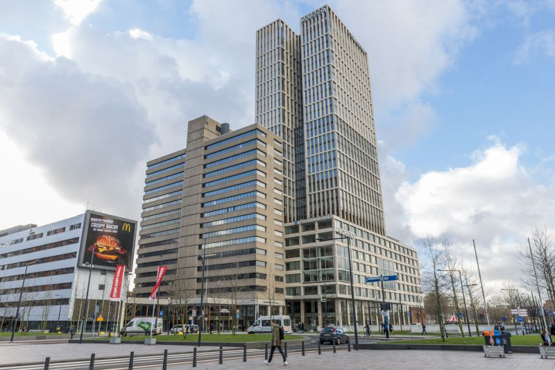 Transformatie  kantoorpand naar hotel en kantoren