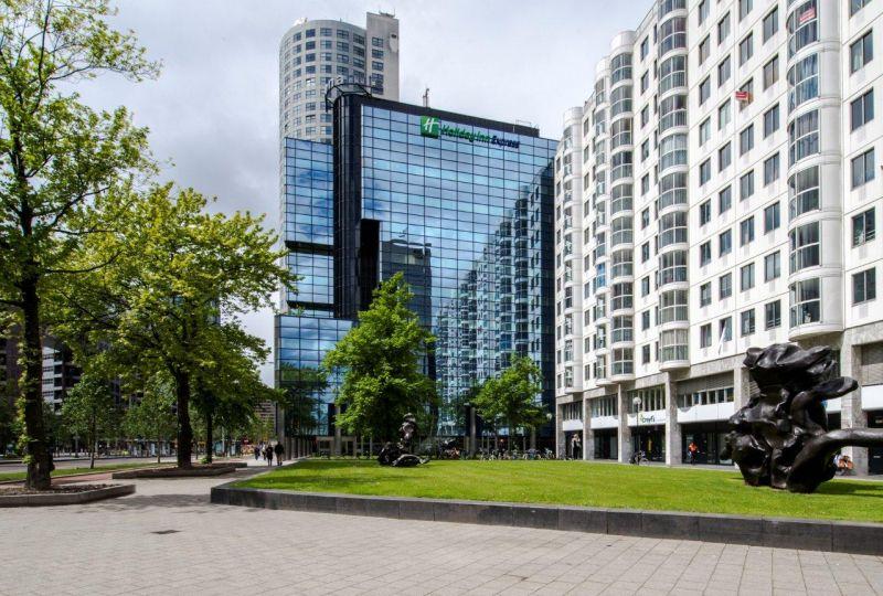 Transformatie kantoor tot Holiday Inn Express Rotterdam