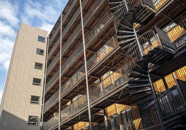 Binnenstedelijke nieuwbouw stadsappartementen :   Coolhaven